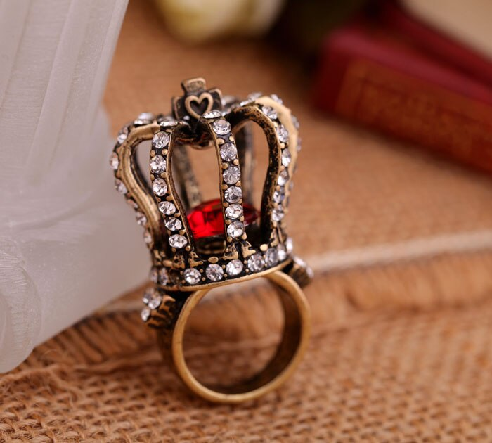Red Crystal Crown Vintage Look Exaggerated Ring - [neshe.in]