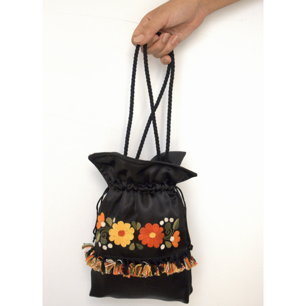 The Shorty Flower Bag - Black