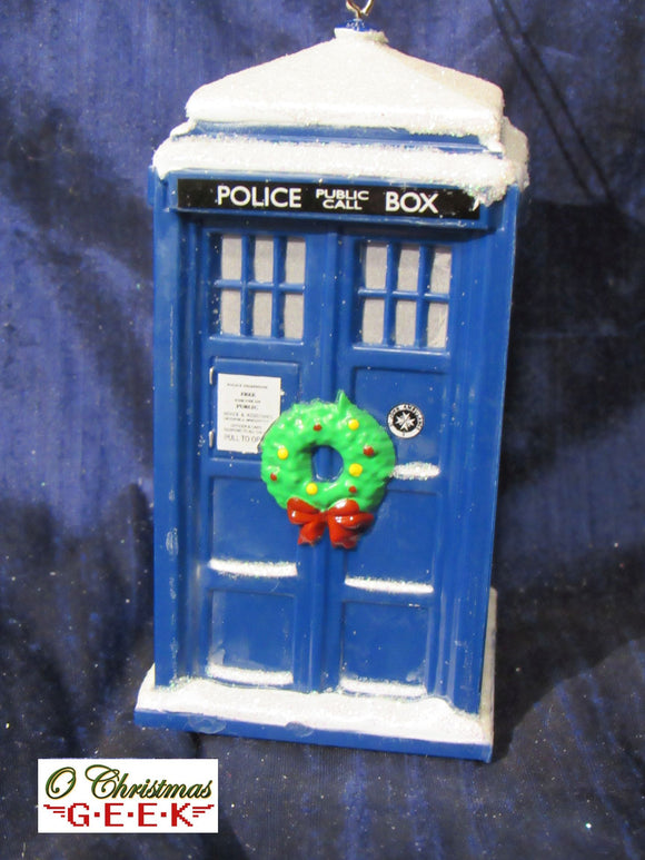 Doctor Who LED TARDIS Ornament with Snow and Wreath