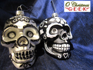 Dia Los Muertos Glass Skull Ornament Black or White