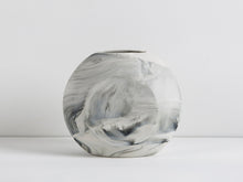 Load image into Gallery viewer, Marbled Purse Vases