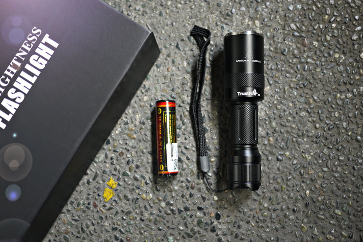 Trustfire TR-Z6 Zoomable Flashlight (1000 Lumens) - CoolStuff168PH