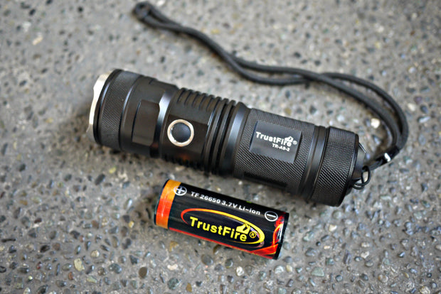 Trustfire TR-A9-2 Flashlight (900 Lumens) - CoolStuff168PH