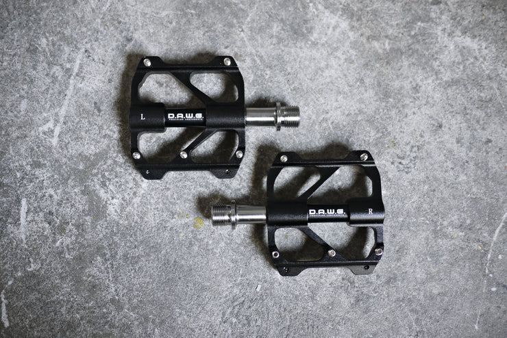 DAWG SuperLite Titanium Axle Pedals