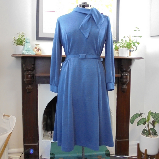Antoinette vintage long sleeve blue dress (L)