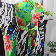Tres belle multi kaftan (16)-Dress-Mint Preloved