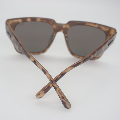QUAY ON THE PROWL SUNNIES