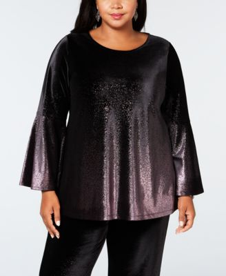 #979 WOMEN'S PLUS SIZE APPAREL PRIMARILY FALL/WINTER - $1369 MSRP, 25 UNITS, SHELF PULLS