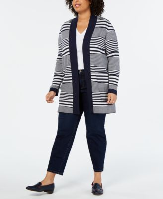#AJ134 WOMEN'S PLUS SIZE APPAREL PRIMARILY FALL/WINTER - $1163 MSRP, 25 UNITS, SHELF PULLS