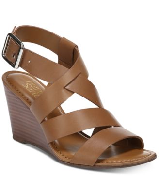 #SC367 WOMEN'S SHOES PRIMARILY SPRING/SUMMER - $1,762.50 MSRP, 20 UNITS, SHELF PULLS