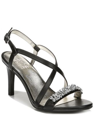 #SC383 WOMEN'S SHOES PRIMARILY SPRING/SUMMER - $1,578 MSRP, 20 UNITS, SHELF PULLS