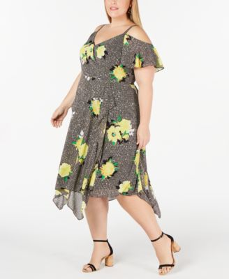#SC310 WOMEN'S PLUS SIZE APPAREL PRIMARILY SPRING/SUMMER - $1,716.98 MSRP, 25 UNITS, SHELF PULLS