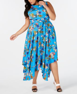 #SC305 WOMEN'S PLUS SIZE APPAREL PRIMARILY SPRING/SUMMER - $1,601.46 MSRP, 25 UNITS, SHELF PULLS