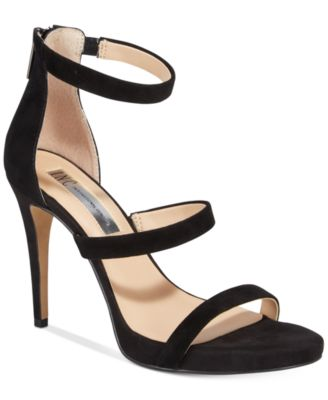 #1009 WOMEN'S SHOES PRIMARILY FALL/WINTER - $1869 MSRP, 22 UNITS, SHELF PULLS