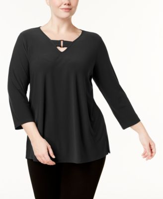 #AJ146 WOMEN'S PLUS SIZE APPAREL PRIMARILY FALL/WINTER - $1262 MSRP, 25 UNITS, SHELF PULLS