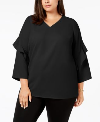#935 WOMEN'S PLUS SIZE APPAREL PRIMARILY FALL/WINTER - $1727 MSRP, 25 UNITS, SHELF PULLS