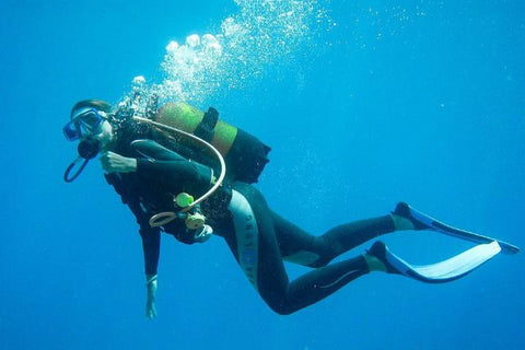 scuba-diving-regulator