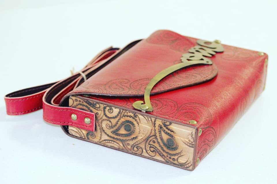 "Genuine leather and Wood Rumi ' Love "" shoulder bag - Treasures of Silk Road"
