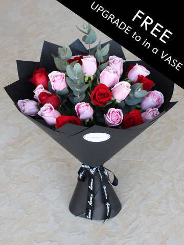 Valentine Mixed 25 Long Stem Red and Pink Roses Hand-tied with FREE upgrade to in a Vase