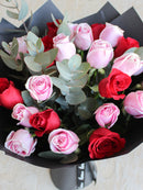 Mixed 25 Long Stem Red and Pink Roses Hand-tied with FREE upgrade to in a Vase