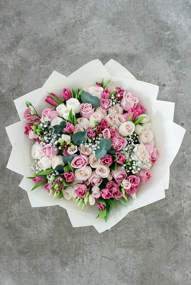 Sweet Garden Hand-tied (Welcome Home Gift Set)