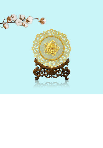 Display Ornaments and Gifts Collection.  Delightful Displays of 24K Gold and Silver Ornaments