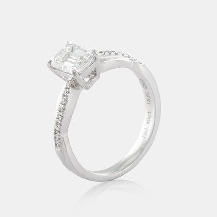 0.90ct Emerald Cut Solitaire Diamond Ring with 18K White Gold