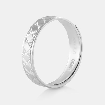 Platinum Faceted Band 5.19g