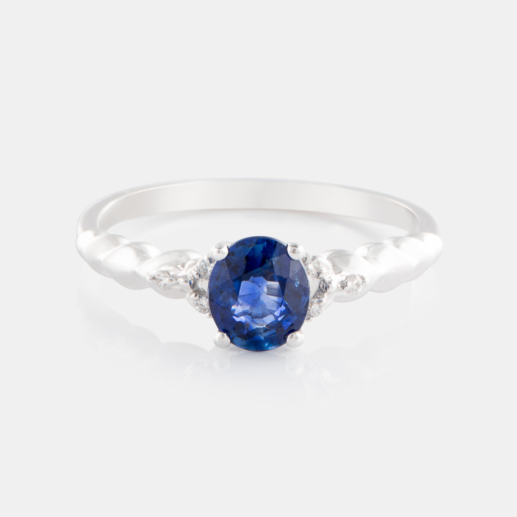 0.76ct Oval Sapphire Ring with 18K White Gold and Diamonds
