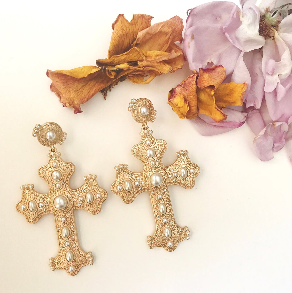 The Capri Cross Earring