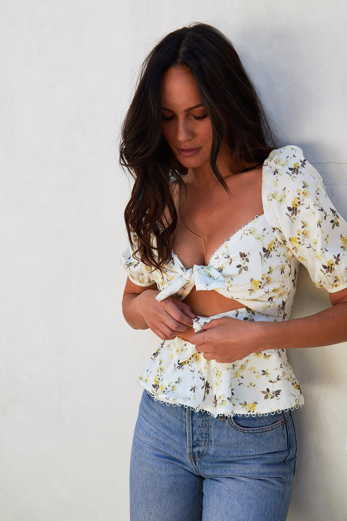 The Geneva Top in Yellow Supertunia