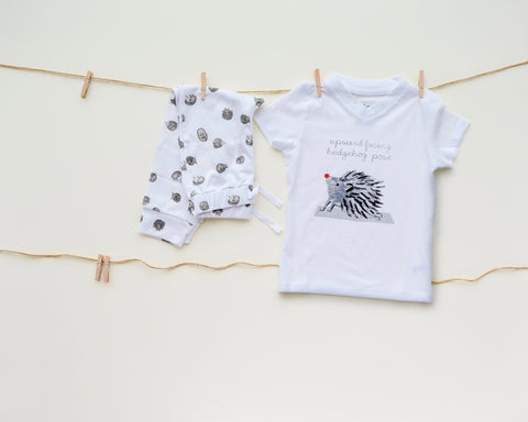 Yogi Hedgehog V-Neck Tshirt + HH Pant Set