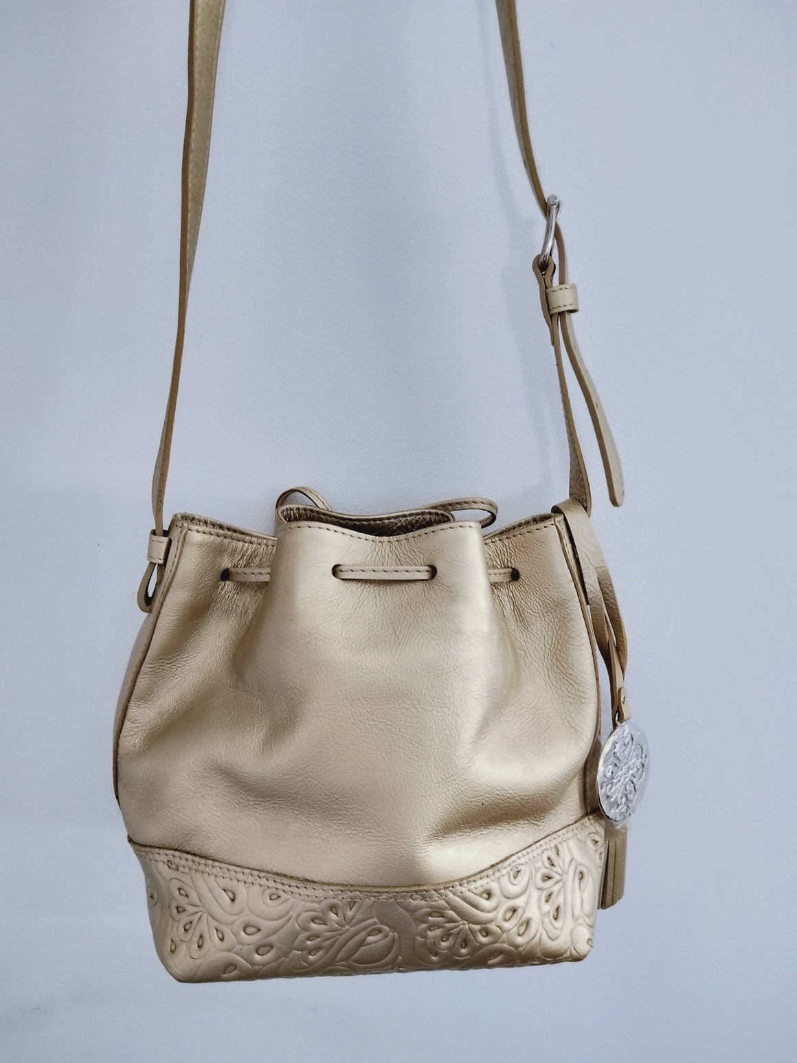 Cross body / Bucket handbag ( Gold )-CROSS BODY-Colombian Label Co.