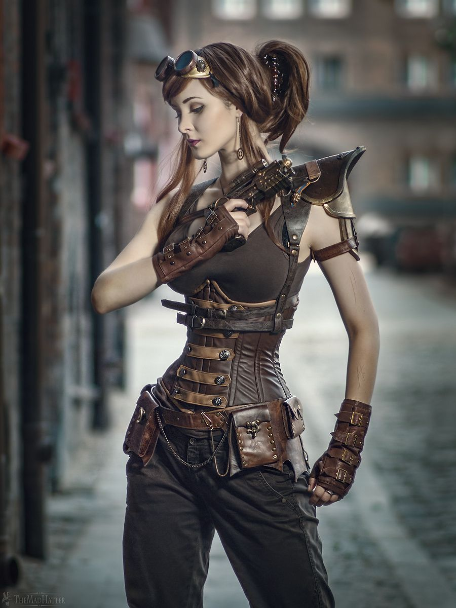 How to Look like a Steampunk Woman?
