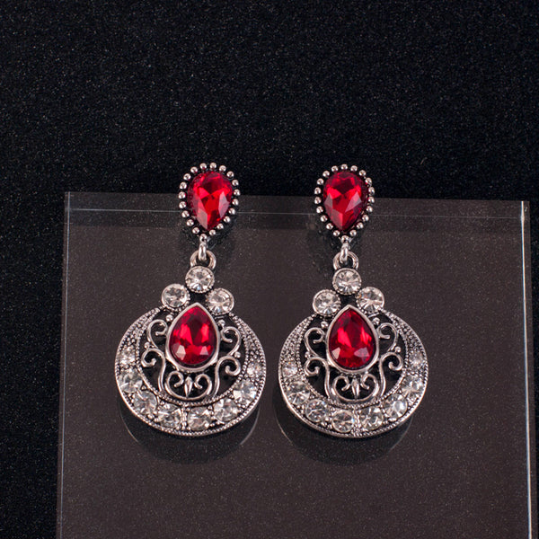 Gothic Countess Set With Red Crystal - Earrings & Necklace Set