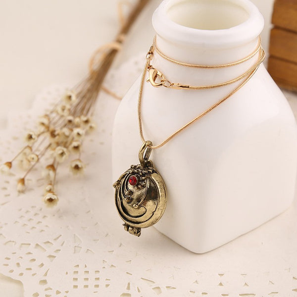 Vampire Necklace With Red Stone