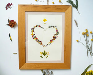 """Love heart"" FRAMED HANDMADE PRESSED FLOWER ART (63x51 cms) - laflorproject"