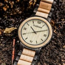 Wooden Watches Vs Metal Watches
