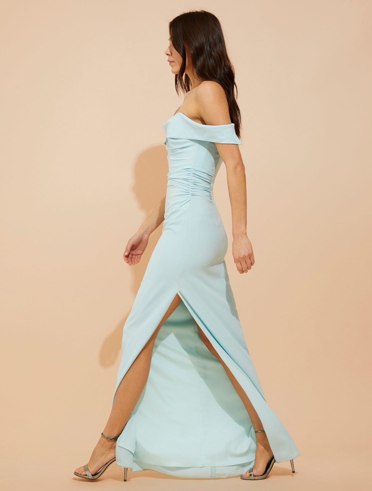 Draped off shoulder crepe gown - Halston
