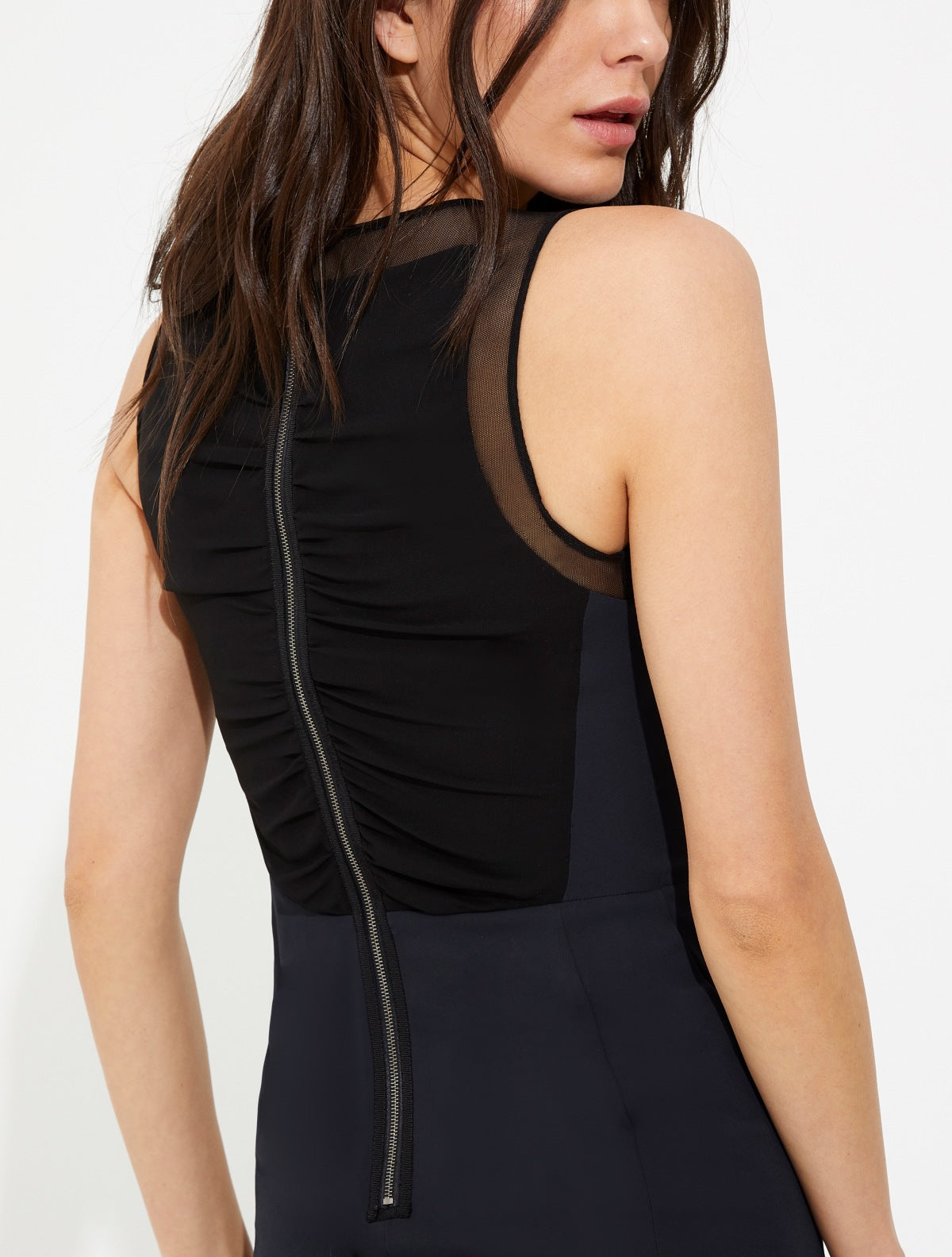 Ruched back zipper detail flowy dress - Halston