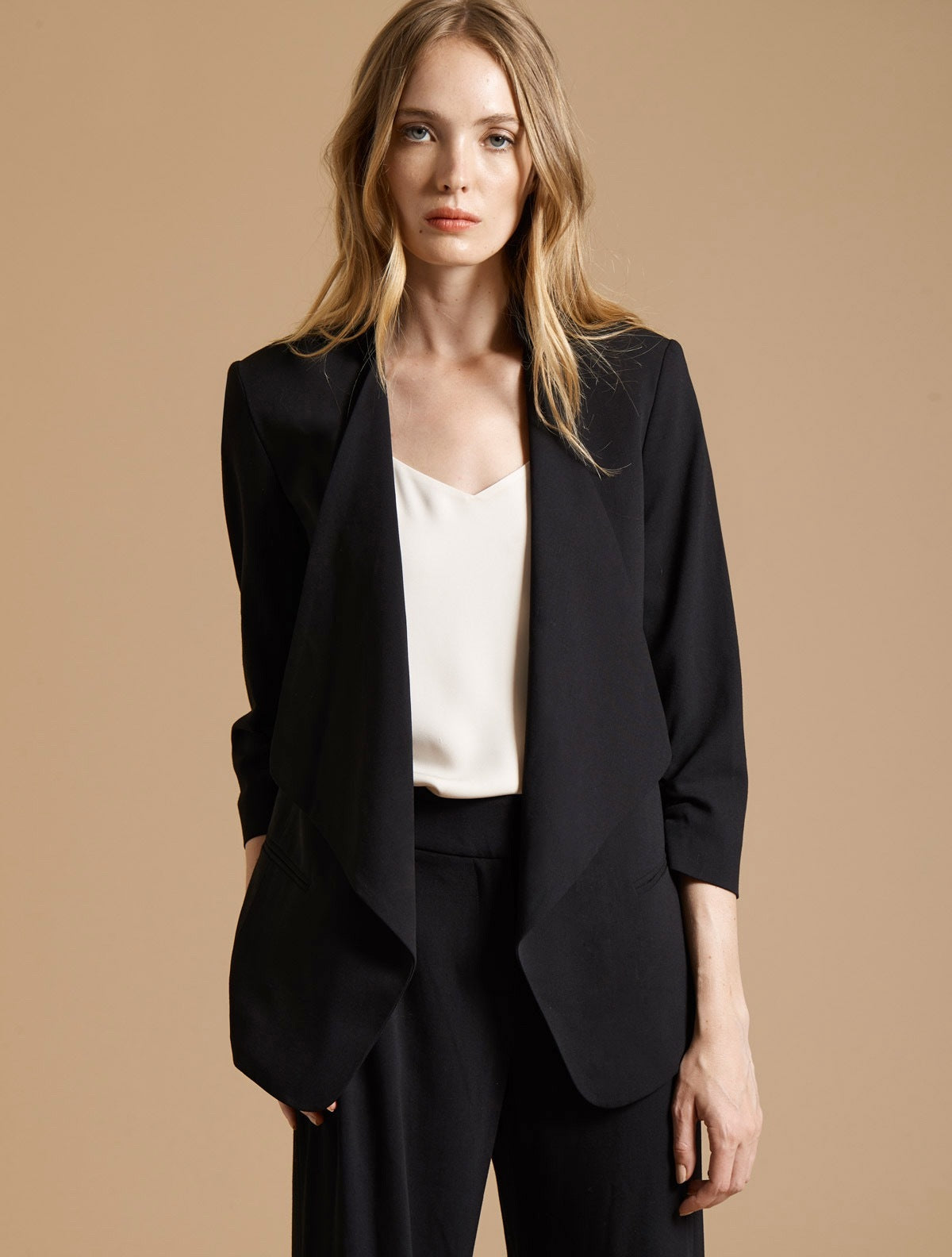 RUCHED SLEEVE SLIM SUITING JACKET - Halston
