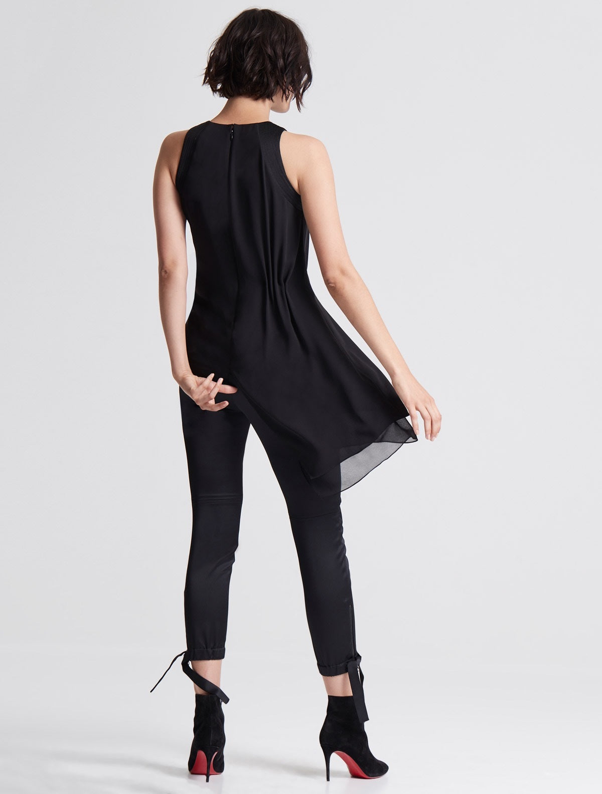 SLEVELESS ASYMMETRIC DRAPE TOP - Halston
