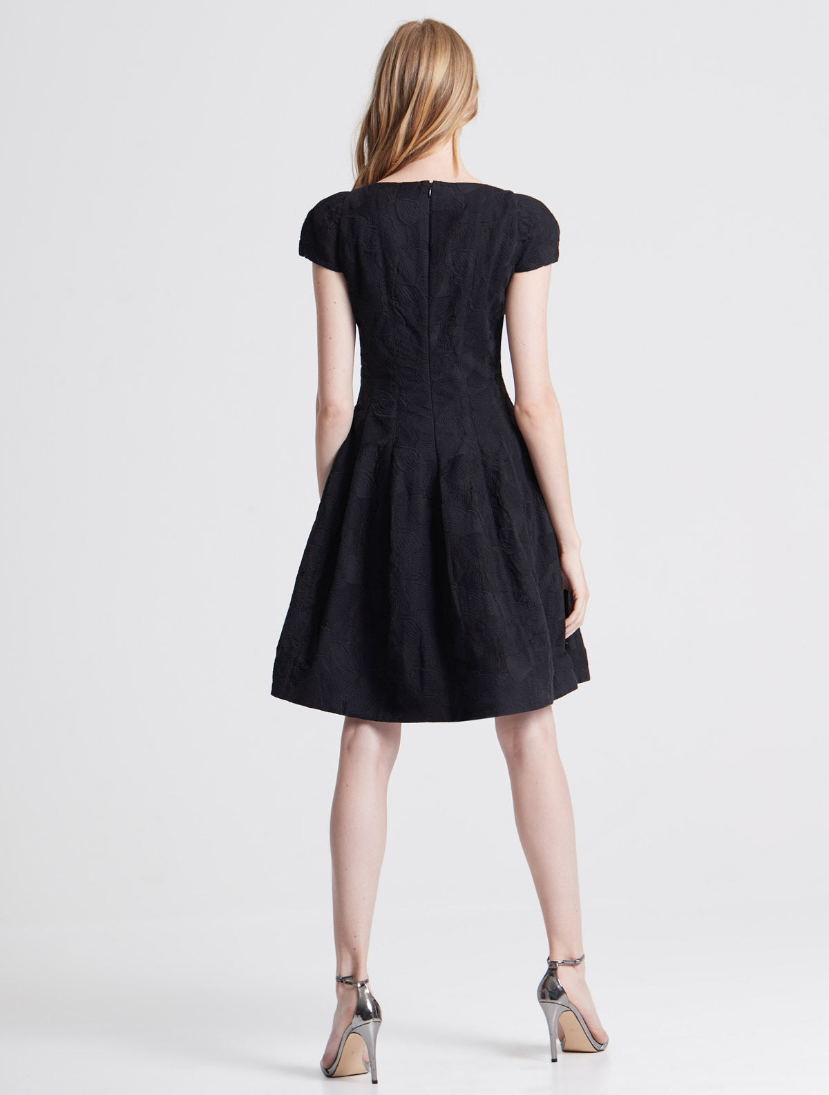 Cap Sleeve Notch Neck Jacquard Dress - Halston