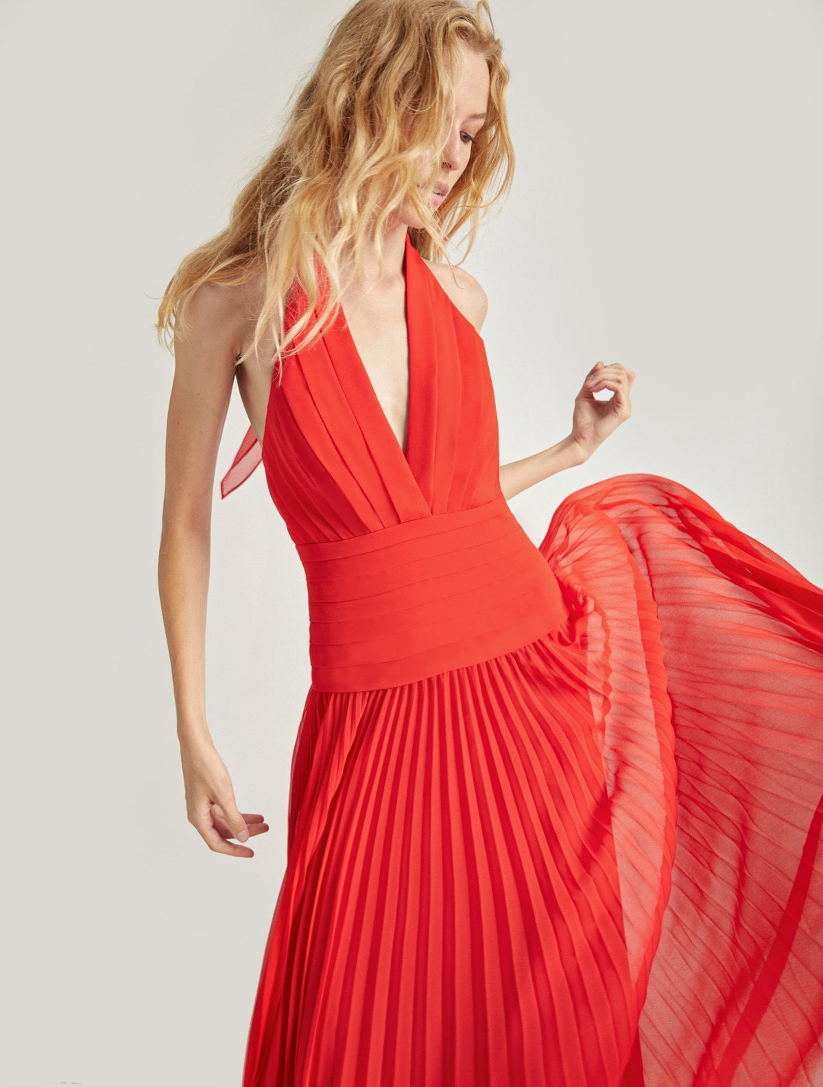 PLEATED GEORGETTE GOWN - Halston