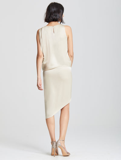 Dramatic Drape Cocktail - Halston