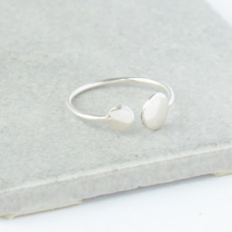 Dot Ring in Silver