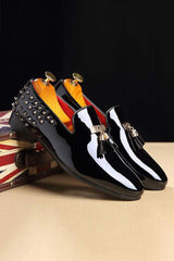 Dashikimall Rivets Decorated Tassels Casual Loafers