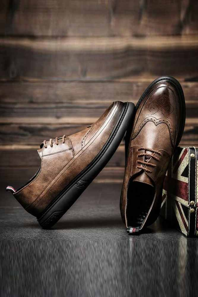 Dashikimall  Retro Bullock Design Men Classic Business Formal Shoes