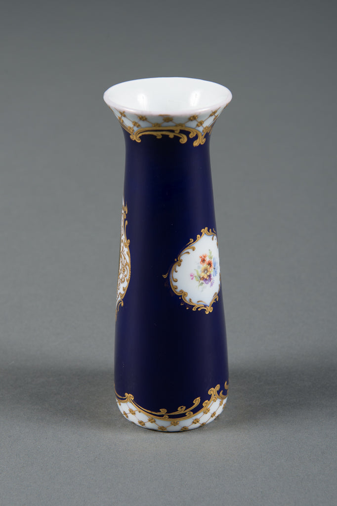 A Fine Antique Royal Vienna Porcelain Vase Depicting the Duchess of Devonshire