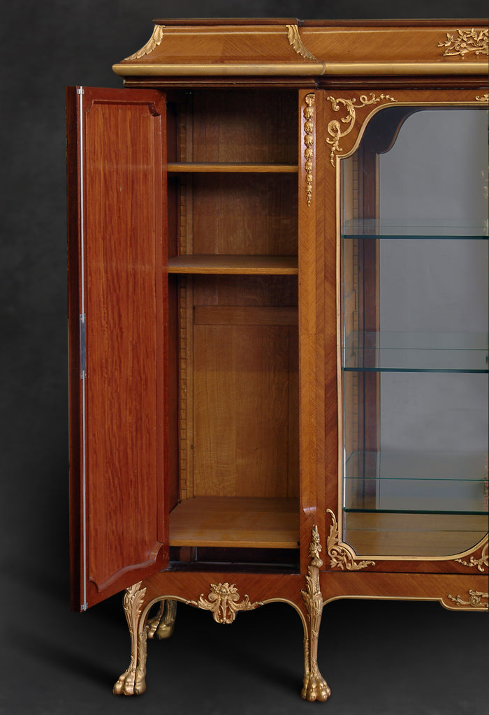 Monumental vitrine cabinet by Manoy